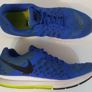 Nike Mens Zoom Pegasus 31 Running Shoe Size 11.5